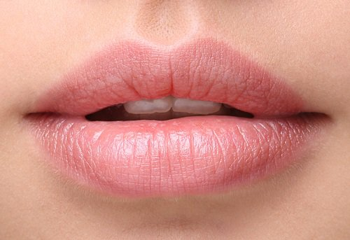 several natural remedies for splitting lips