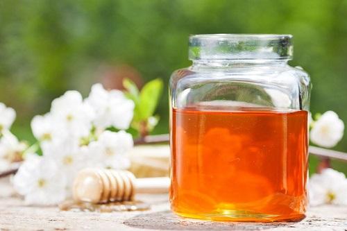 Natural honey facial