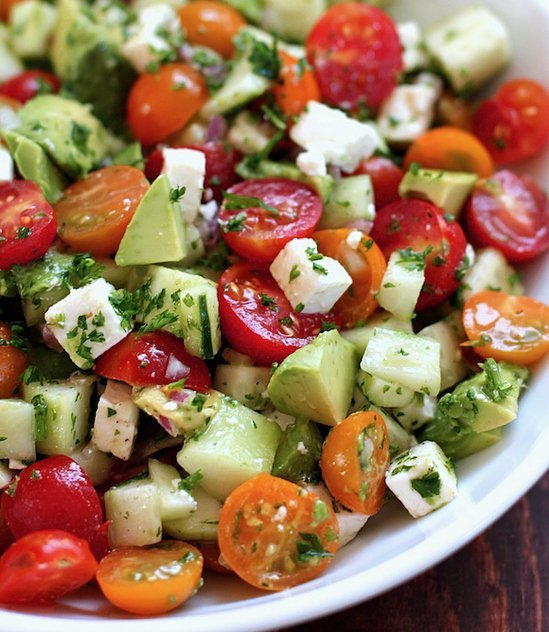 Salad to reduce bloating and lose weight