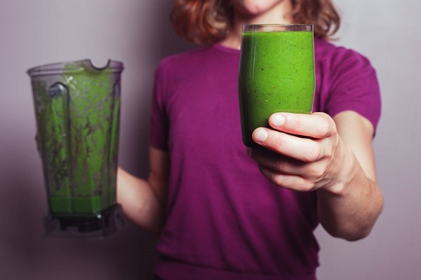 Can a green smoothie reverse gray hair